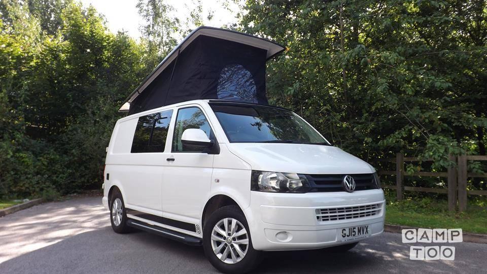 Volkswagen camper from 2015: photo 1/6