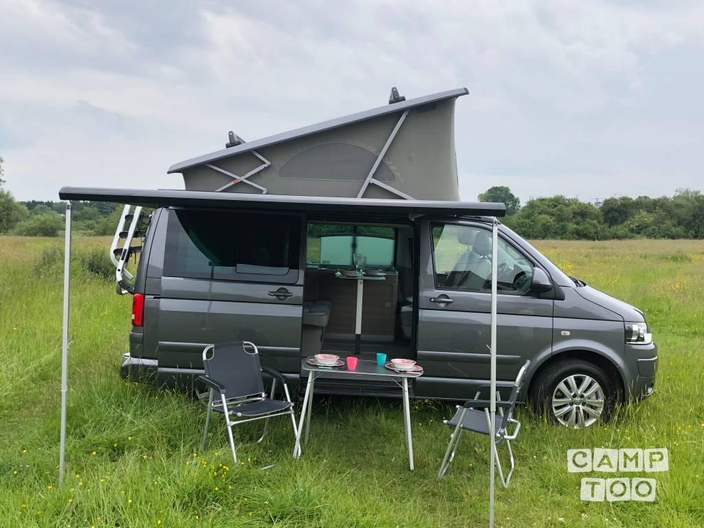 Volkswagen camper uit 2015: foto 1/14