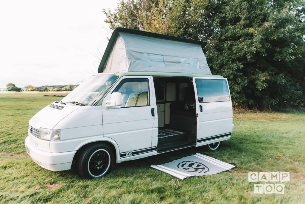 Volkswagen camper from 1995: photo 1/13