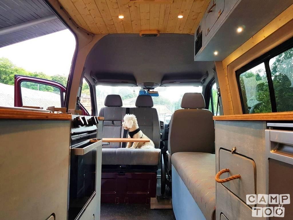 Volkswagen camper from 2010: photo 1/25