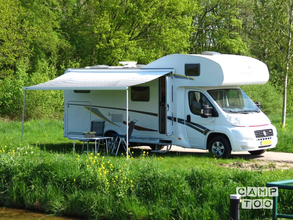 Capron camper from 2012: photo 1/27