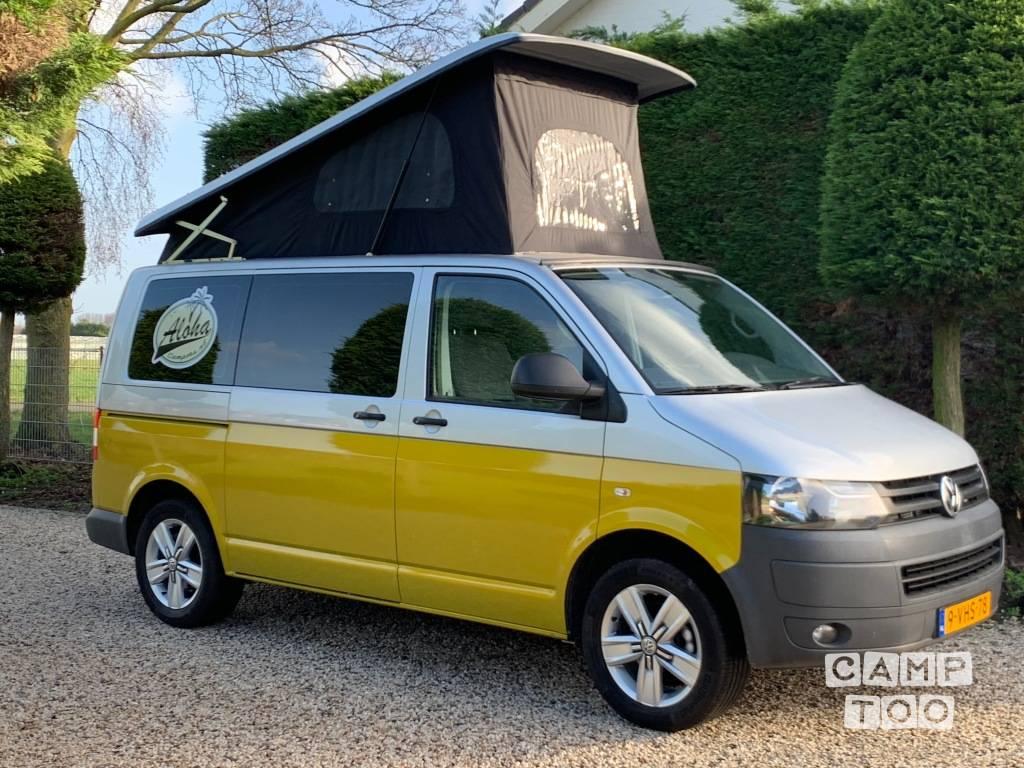 Volkswagen camper from 2010: photo 1/11