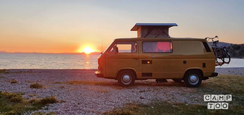 Volkswagen camper from 1986: photo 1/9