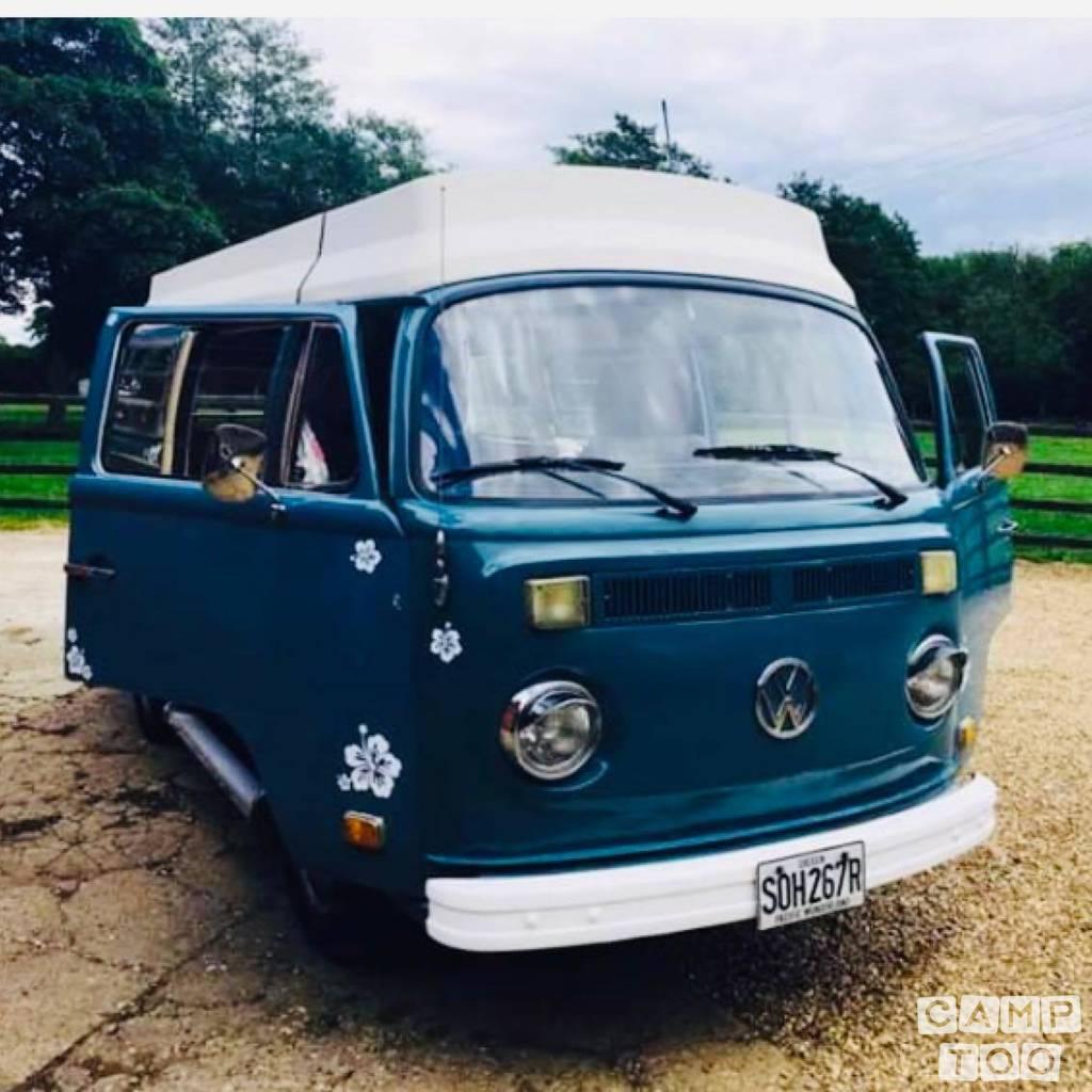 Volkswagen camper uit 1976: foto 1/28