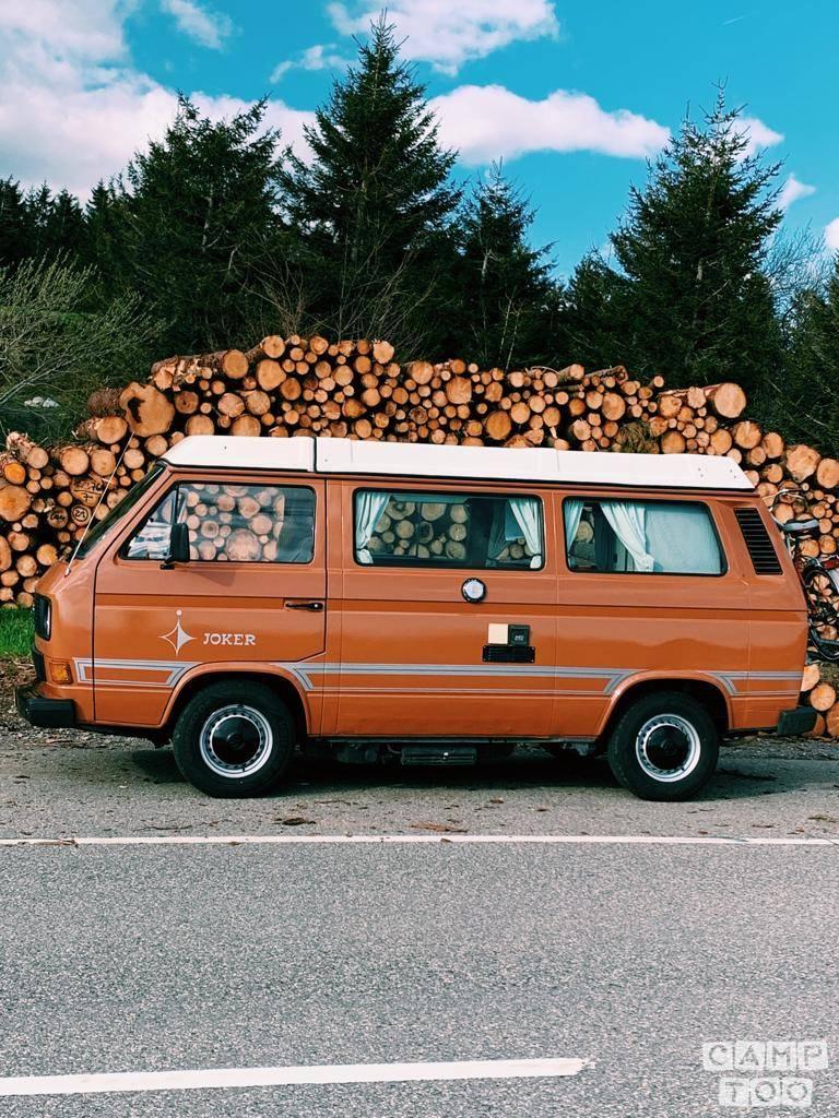 Volkswagen camper from 1982: photo 1/27