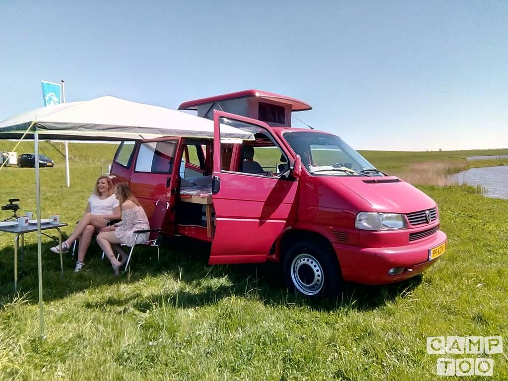 Volkswagen camper uit 1999: foto 1/18
