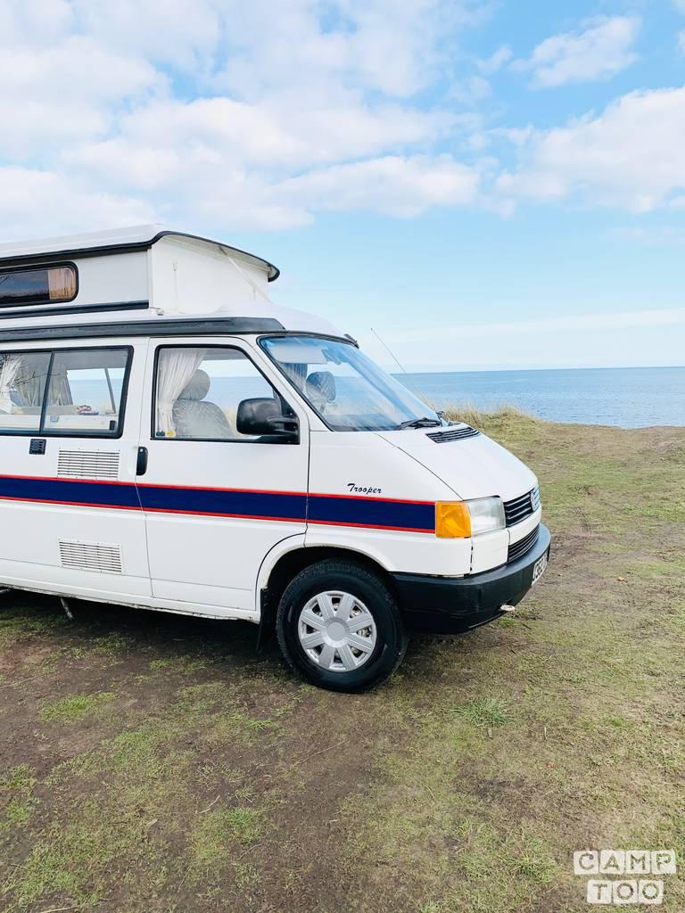 Volkswagen camper from 1992: photo 1/25