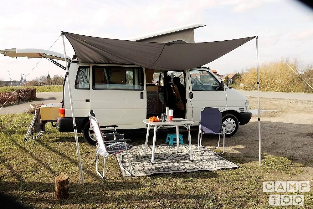 Volkswagen camper from 2002: photo 1/15