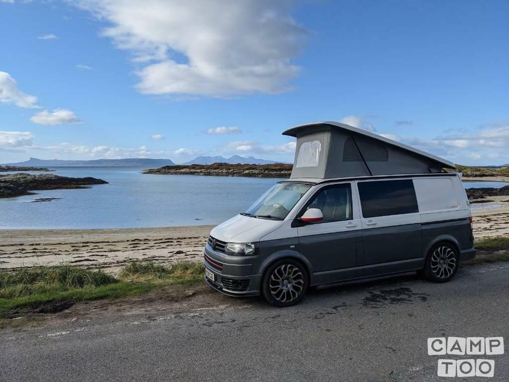 Volkswagen camper from 2013: photo 1/14