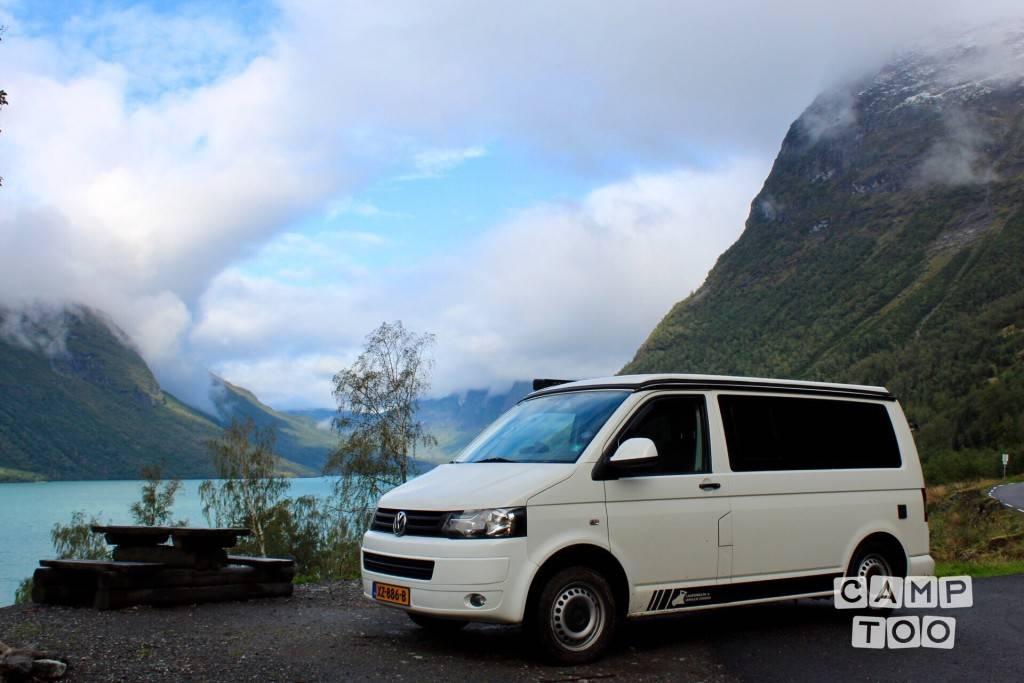 Volkswagen camper from 2014: photo 1/24