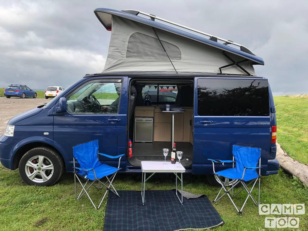 Volkswagen camper from 2006: photo 1/11