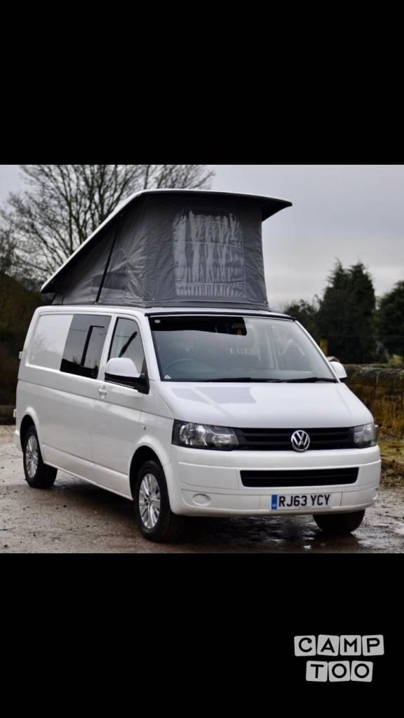Volkswagen camper from 2014: photo 1/15
