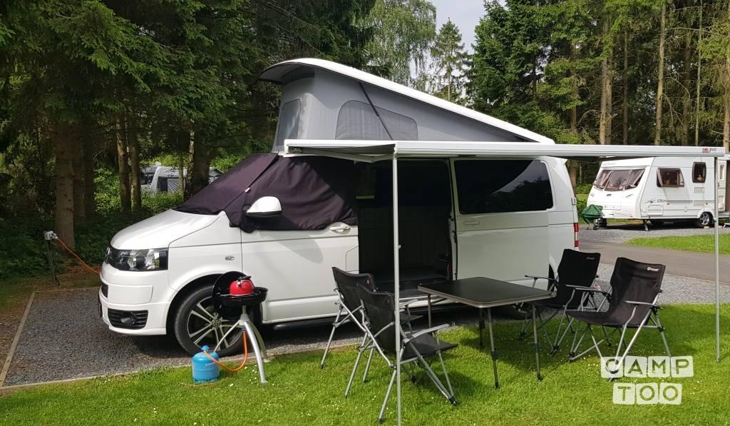 Volkswagen camper from 2014: photo 1/11