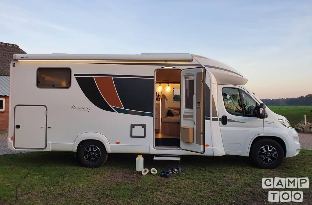 Bürstner camper from 2018: photo 1/27