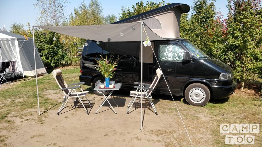 Volkswagen camper from 2001: photo 1/14