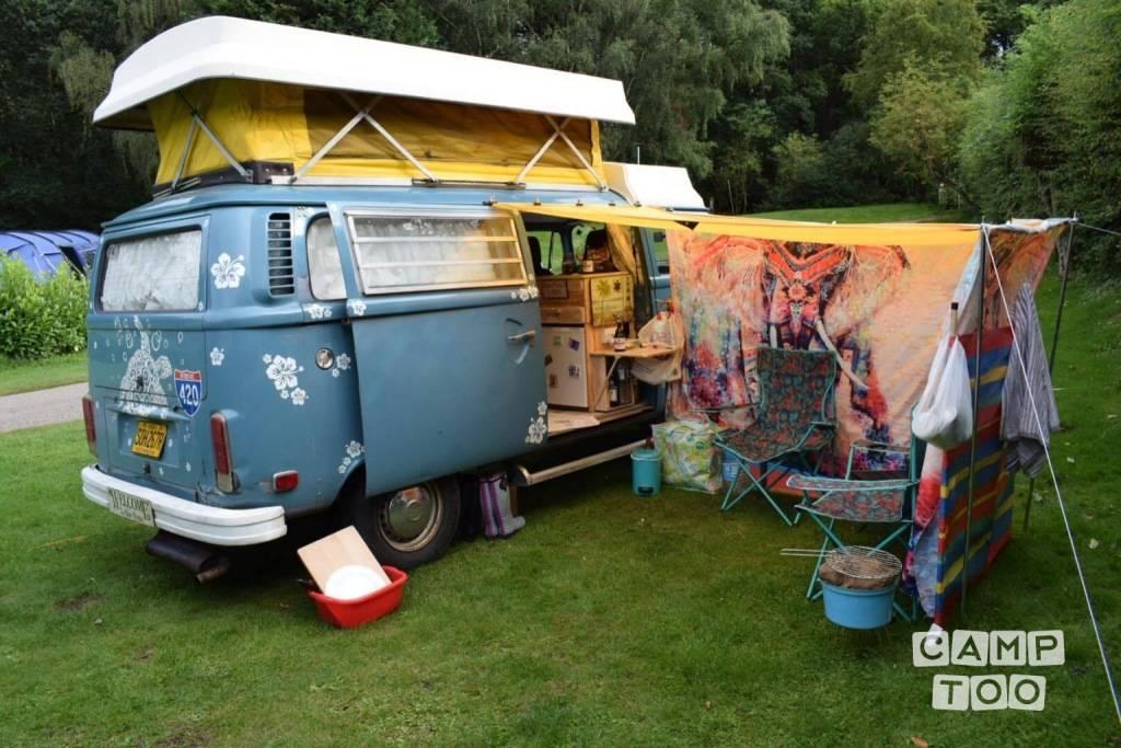 Volkswagen camper from 1976: photo 1/28
