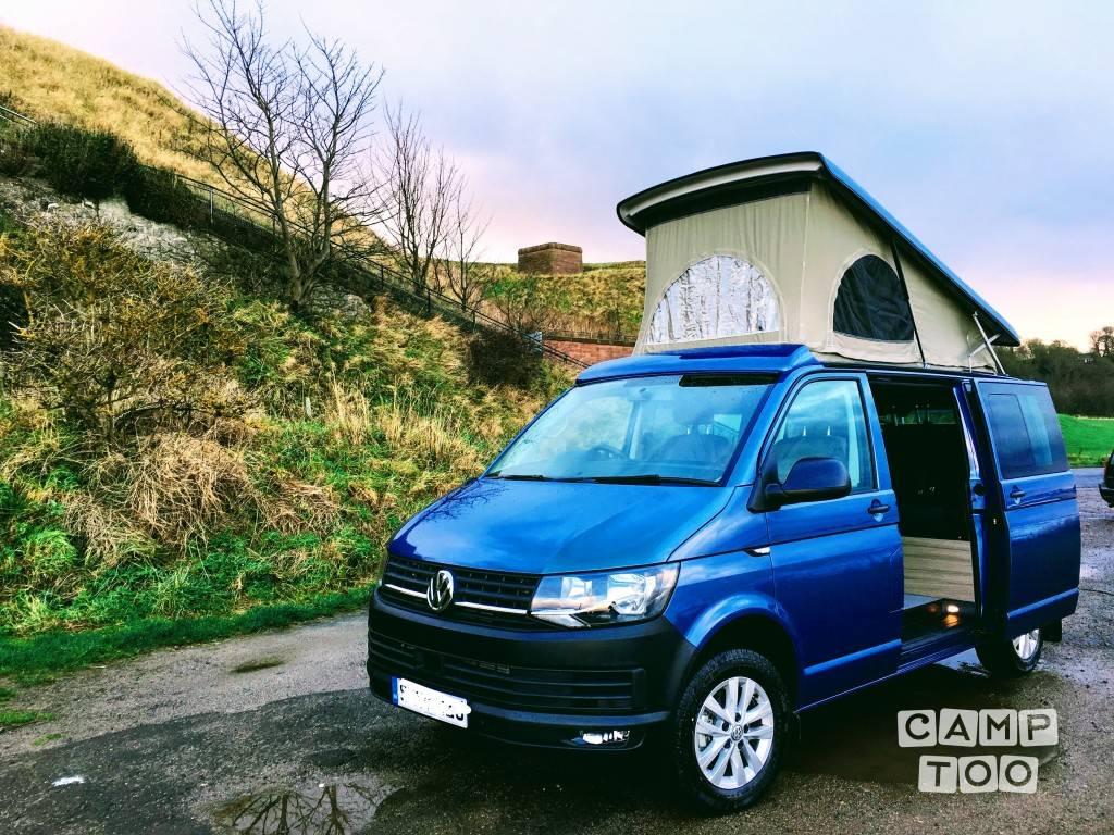 Volkswagen camper from 2018: photo 1/11