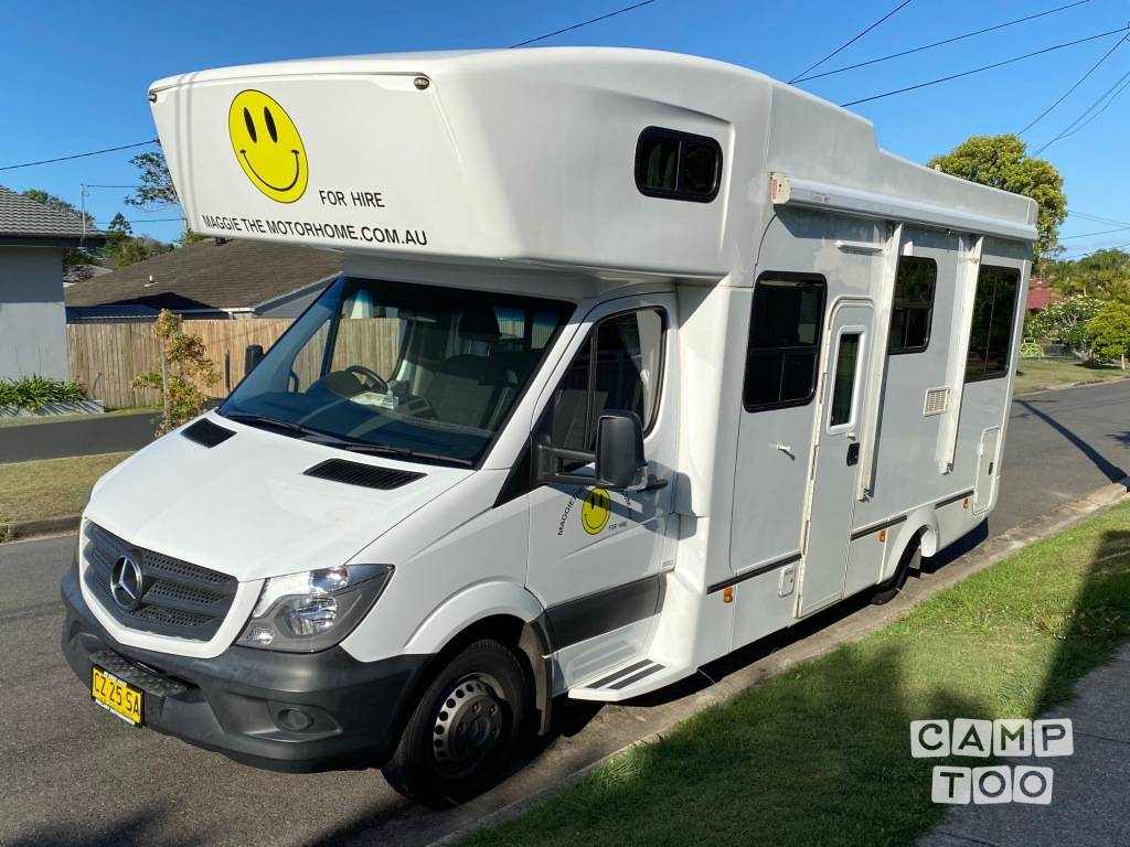 Mercedes-Benz camper from 2014: photo 1/12