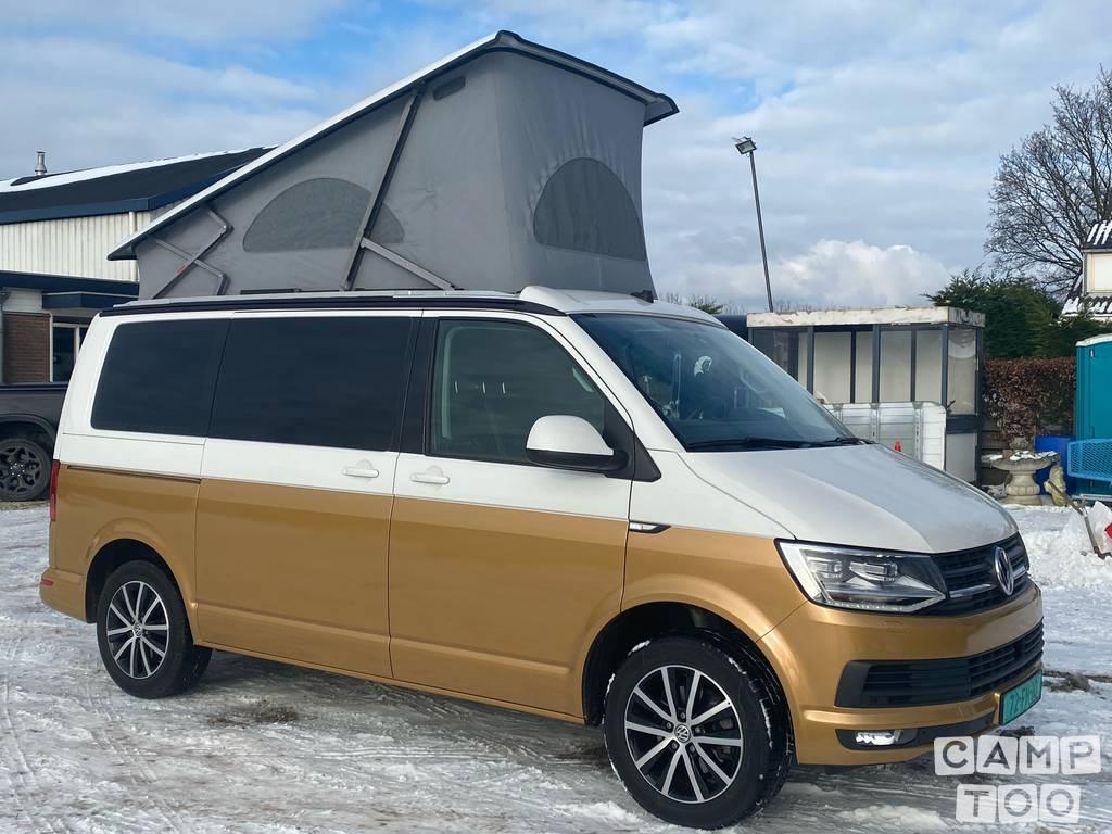 Volkswagen camper uit 2016: foto 1/6