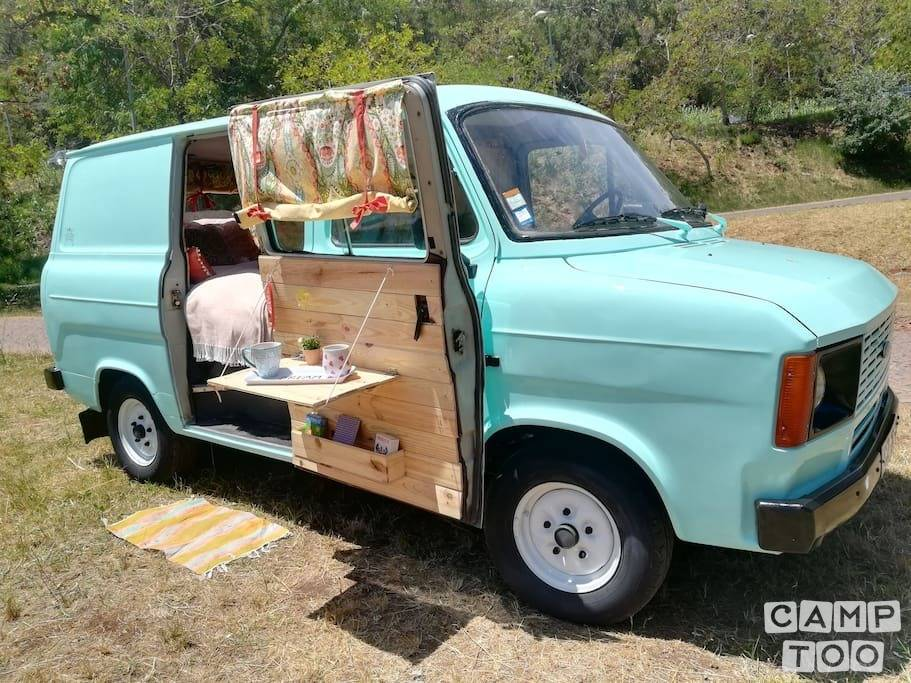 Ford camper from 1980: photo 1/9