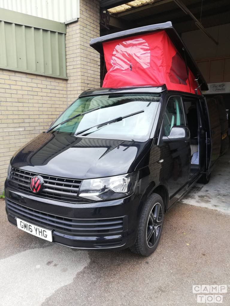 Volkswagen camper from 2016: photo 1/12