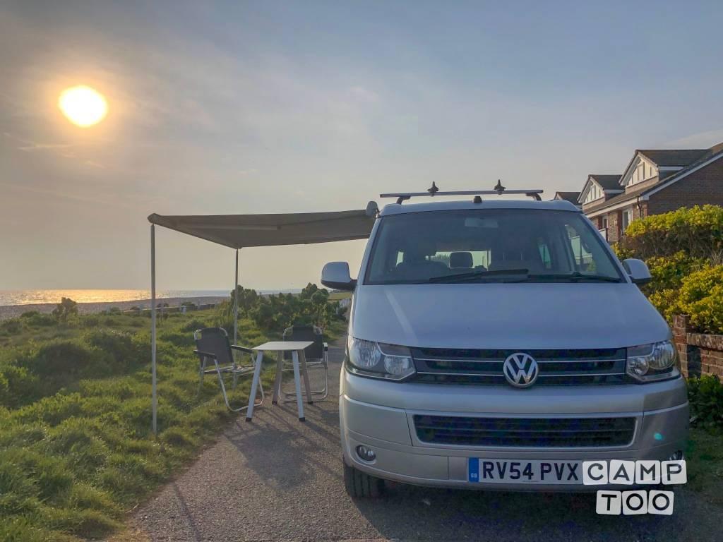 Volkswagen camper from 2004: photo 1/8