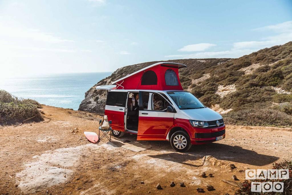 Volkswagen camper from 2019: photo 1/15