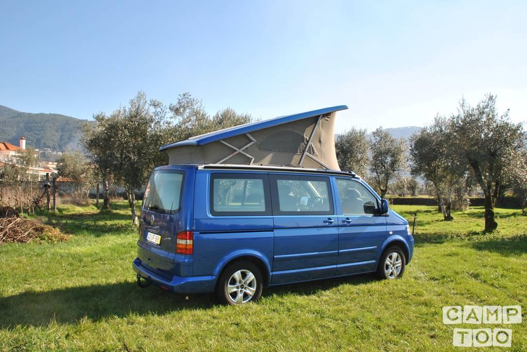 Volkswagen camper uit 2004: foto 1/12