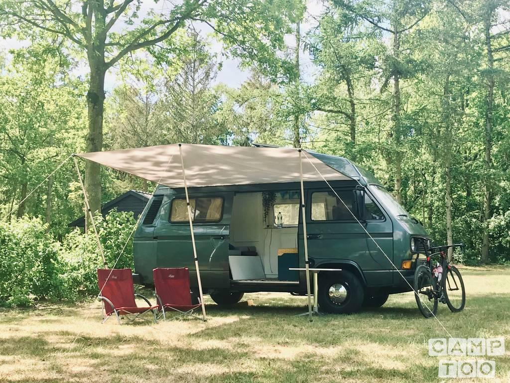 Volkswagen camper uit 1984: foto 1/12