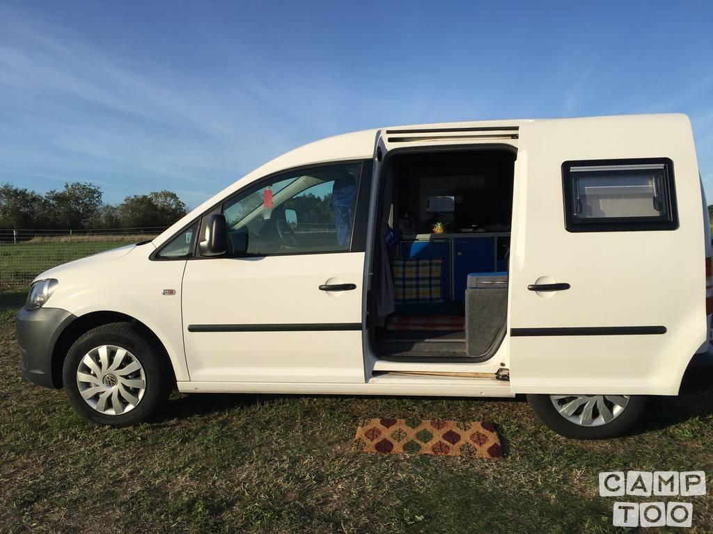 Volkswagen camper from 2011: photo 1/12