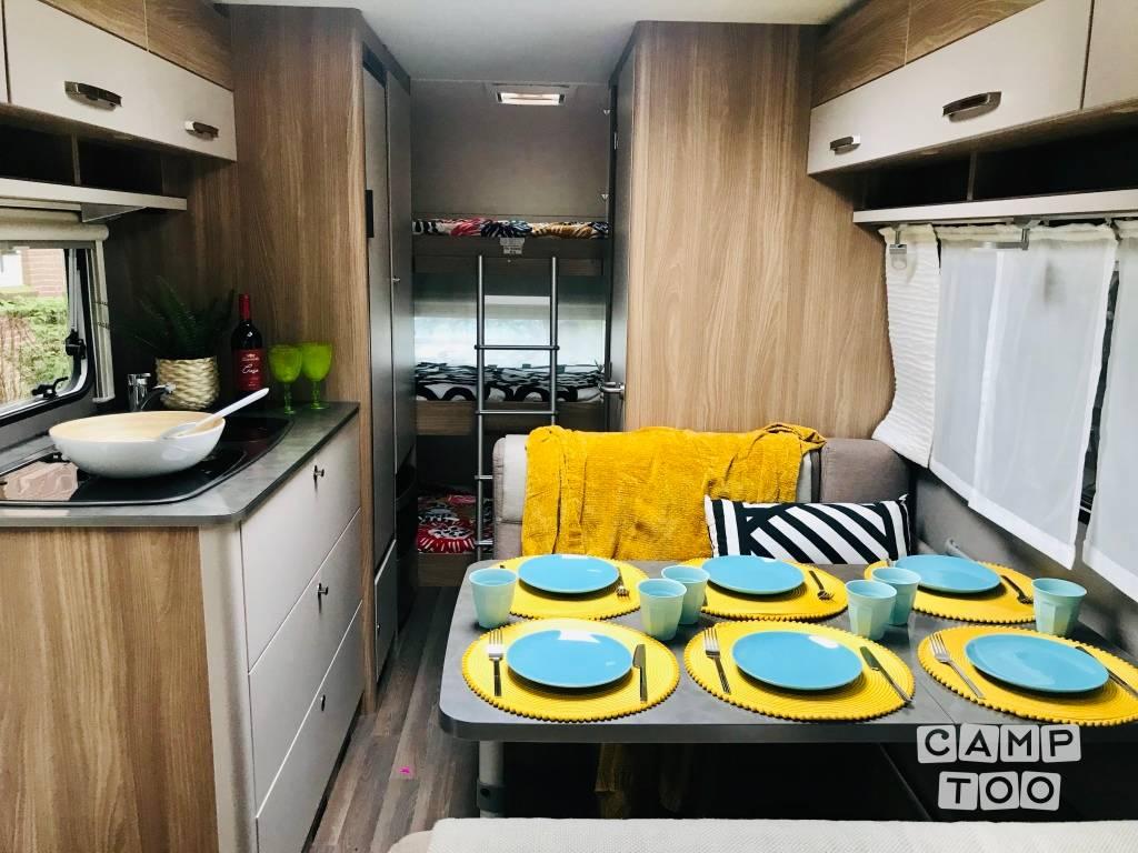 Bürstner caravan uit 2018: foto 1/16