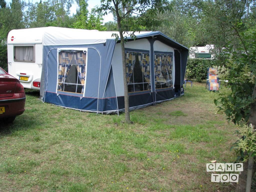 Bürstner caravan uit 2004: foto 1/23