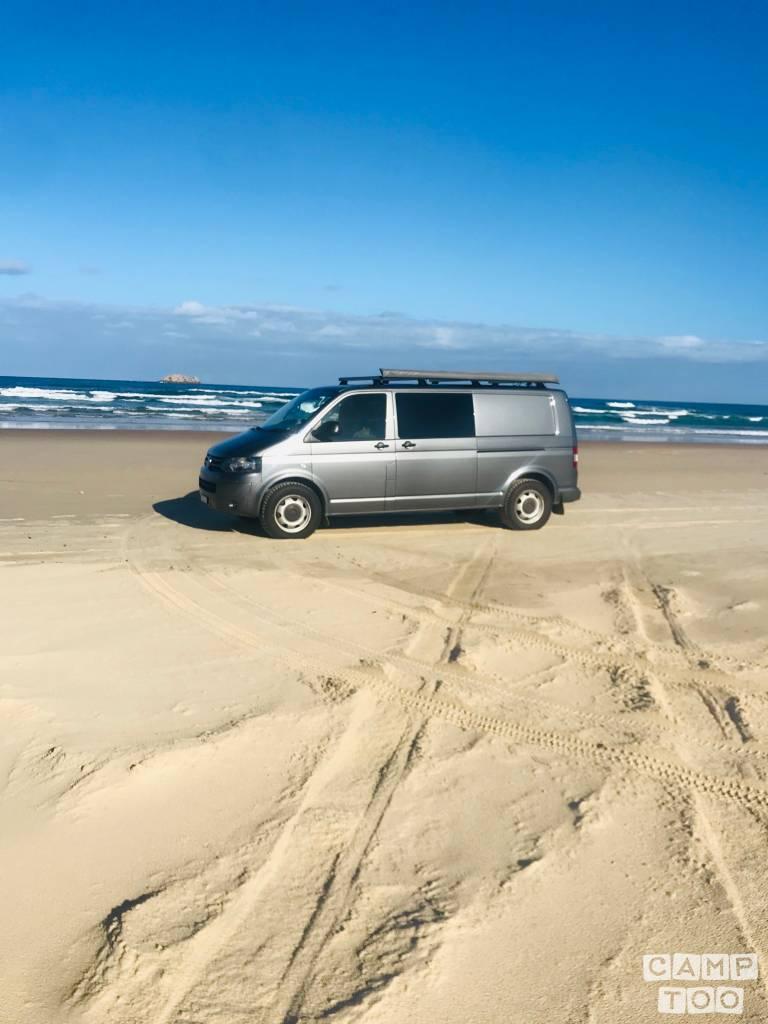Volkswagen camper from 2010: photo 1/24