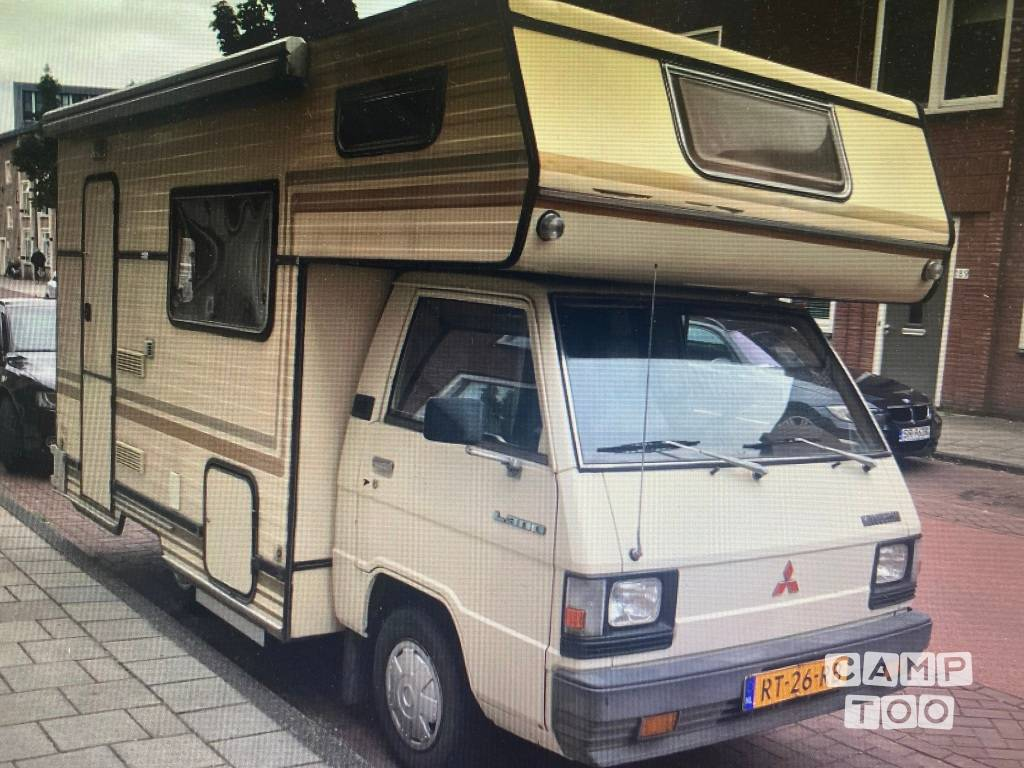 Mitsubishi camper from 1983: photo 1/13