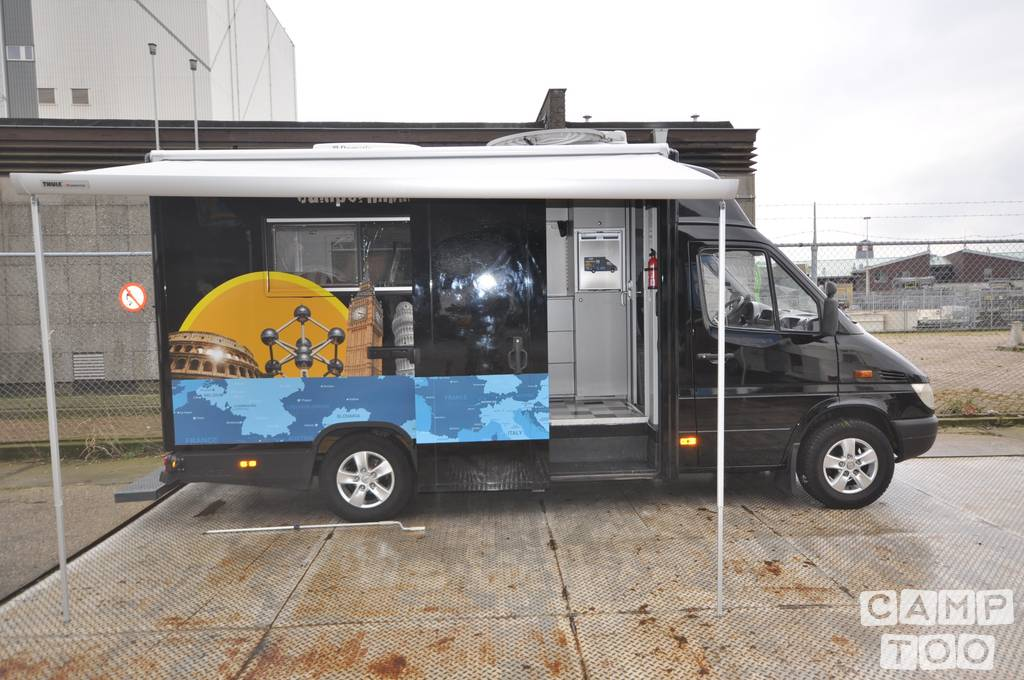 Mercedes-Benz camper from 2013: photo 1/9