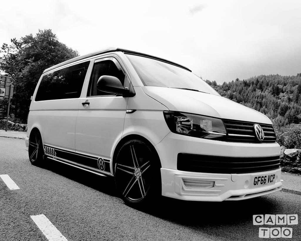 Volkswagen camper uit 2016: foto 1/14