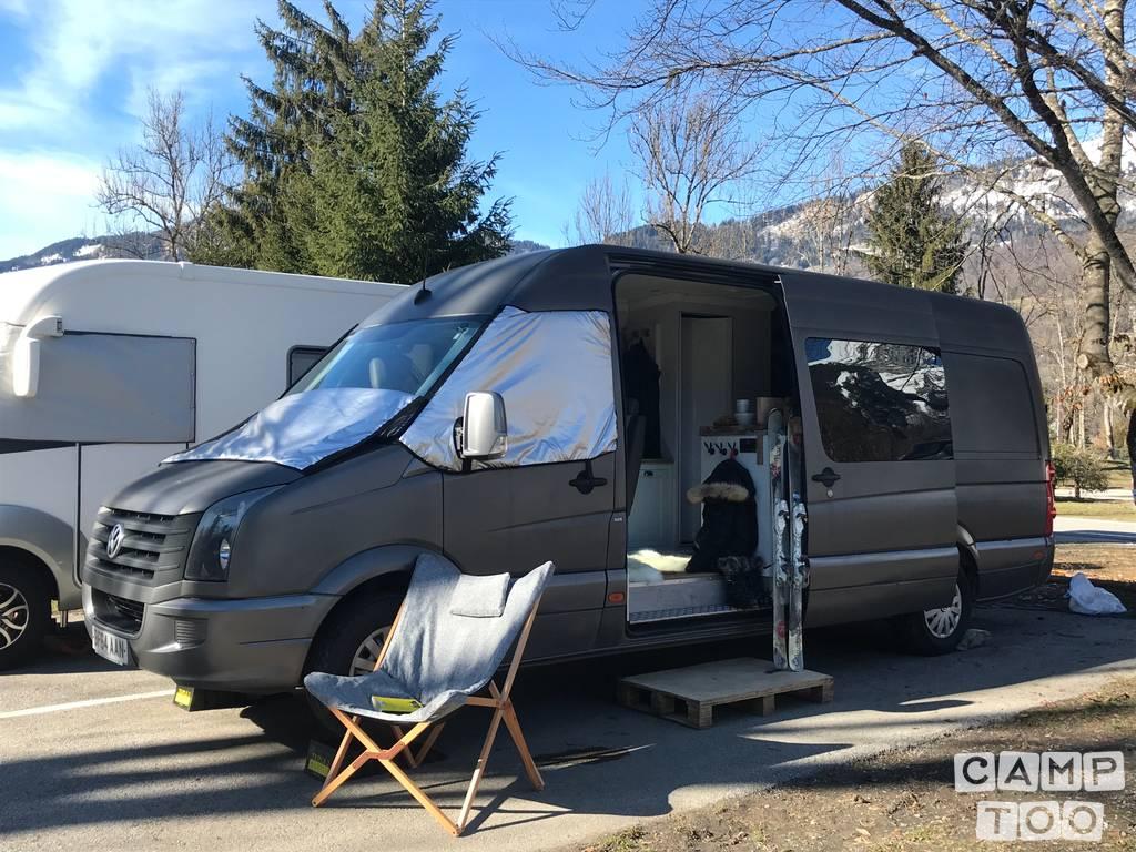 Volkswagen camper from 2014: photo 1/25