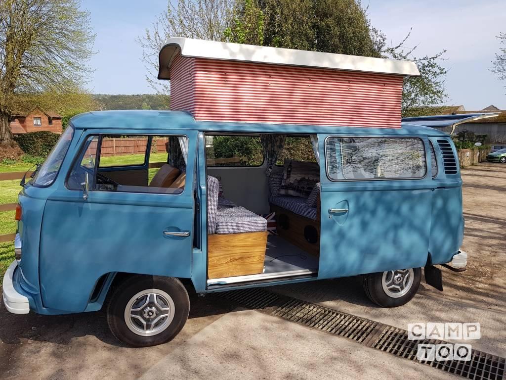 Volkswagen camper from 1975: photo 1/8