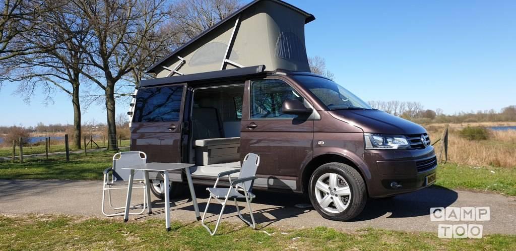 Volkswagen camper uit 2014: foto 1/9
