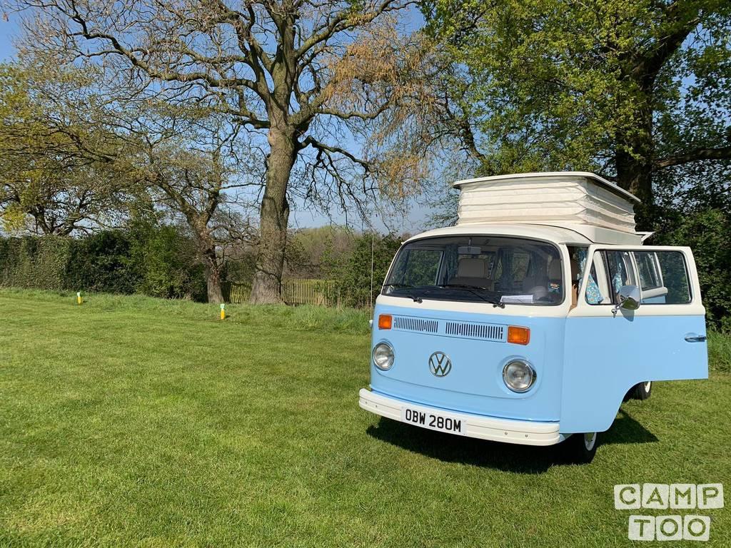 Volkswagen camper from 1973: kuva 1/8