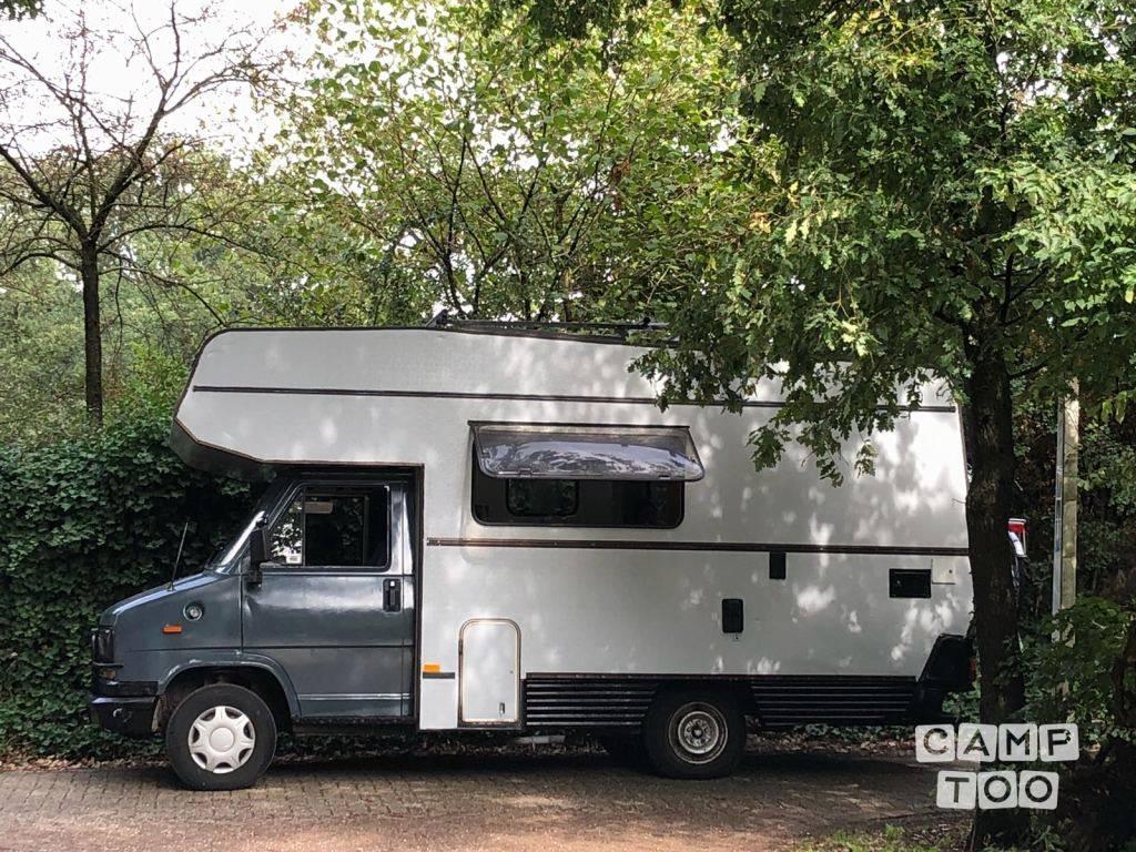 Fiat camper uit 1983: foto 1/10