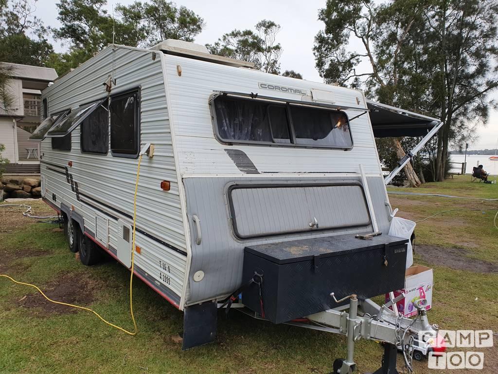 Coromal caravan uit 1997: foto 1/8