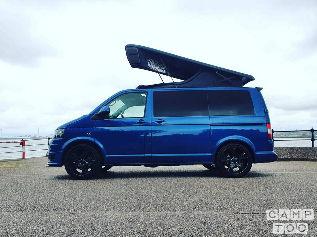 Volkswagen camper from 2015: photo 1/21
