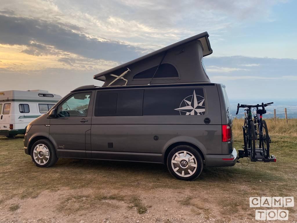 Volkswagen camper from 2020: photo 1/9
