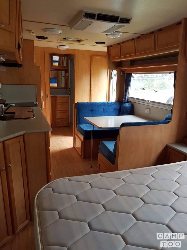 Boroma caravan uit 2008: foto 1/12