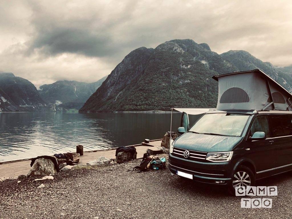 Volkswagen camper uit 2017: foto 1/15