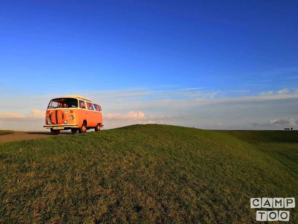 Volkswagen camper uit 1978: foto 1/6