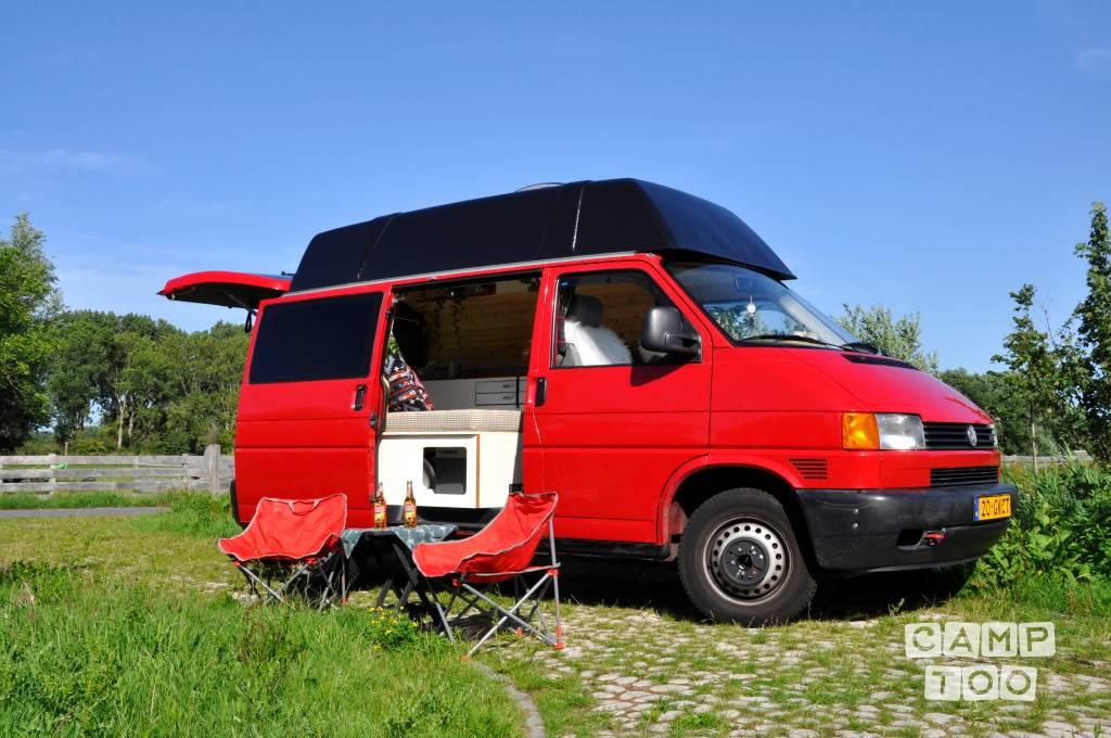 Volkswagen camper uit 2001: foto 1/10