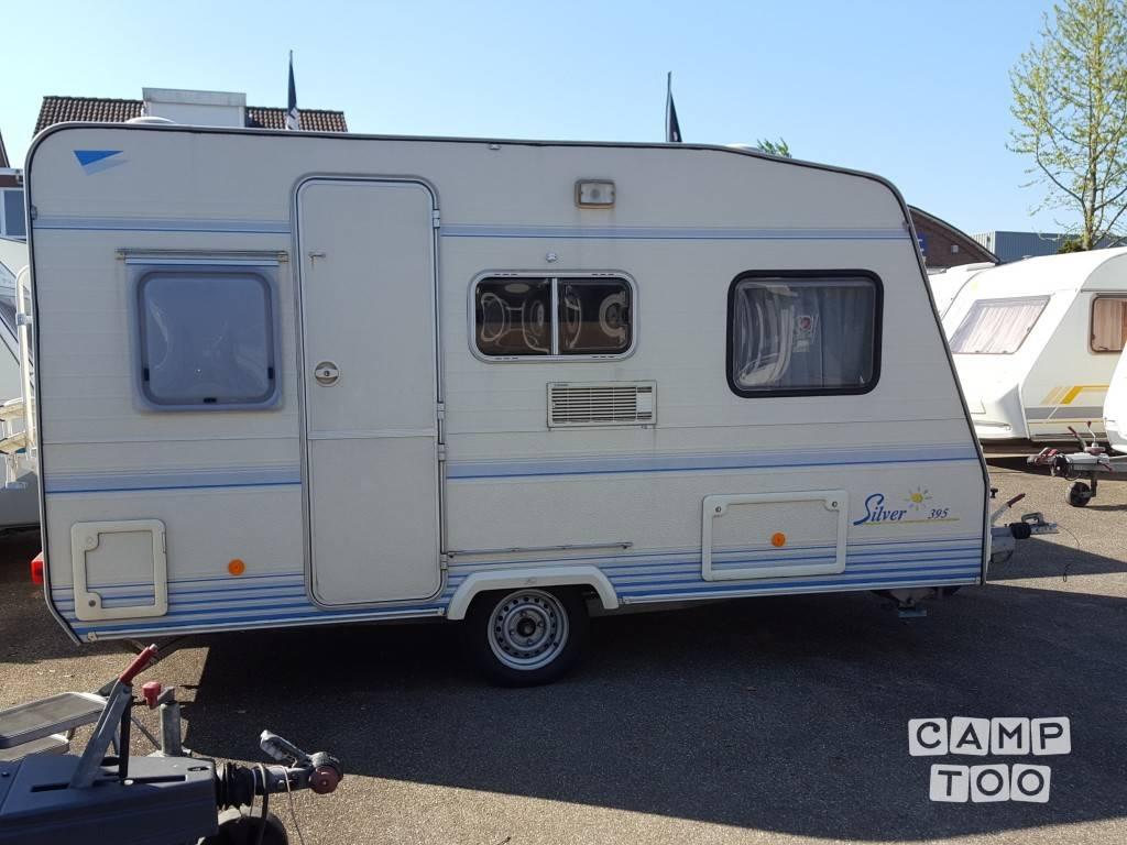 Caravelair caravan uit 1998: foto 1/12