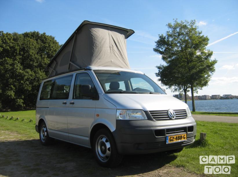 Volkswagen camper uit 2006: foto 1/9